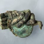 Main d'enfant momifiée, Epoque gallo-romaine, Chalon-sur-Saône, quartier Saint Cosme.