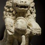 Lion terrassant un gladiateur, Pierre, H. 110 cm ; L.140 cm ; l. 53 cm, Ier-IIe siècle, Chalon-sur-Saône, rue Philibert Guide.