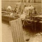 Sacphandriers pendant la plongées, Saint-Germain-du-Plain, vers 1950, © archives départementales de Saône-et-Loire