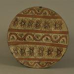 Plat, Terre cuite, Culture Coclé (Panama), 800-1525 après J.C. (période VI), Don Université de Harvard (Etats-Unis), 1955. © musée Denon