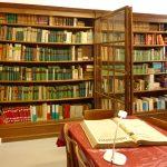 Bibliothèque de la Société d'Histoire et d'archéologie de Chalon, dans leurs locaux, rue Philibert Guide